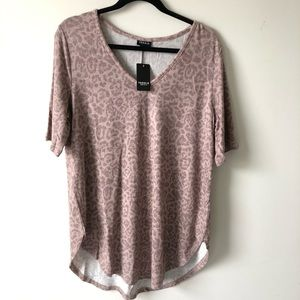 Torrid dusty pink leopard shirt
